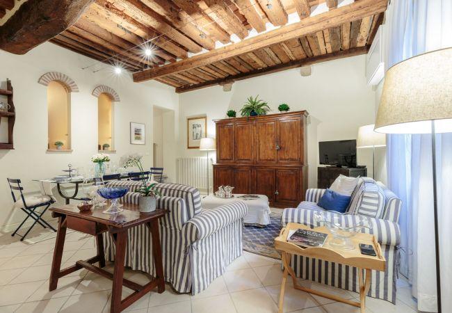 Apartment in Lucca - The 1400's Apartment